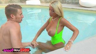 Blonde mom evita pozzi in green swimsuit bares..