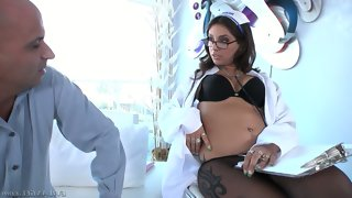 Bespectacled brunette nurse jynx maze in black..