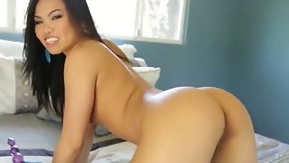 Pretty and sexy asian brunette cindy starfall..