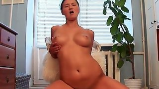 Beautiful asian babe vanessa vaughn is having..
