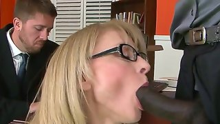 Bespectacled mature lady nina hartley in sexy..