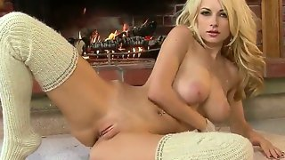 Smoky eyed blonde danielle trixie has