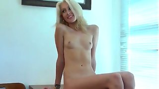 Emily kae s cunt almost shoots